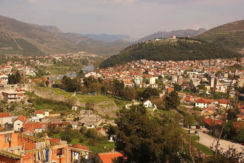 trebinje stadt in der historischen region herzegowina bosnien herzegowina schoener reisen. Black Bedroom Furniture Sets. Home Design Ideas