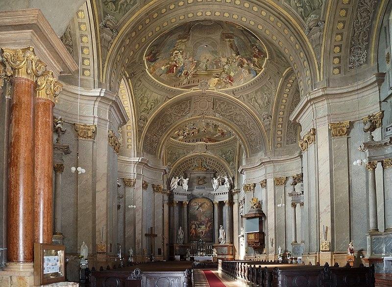 http://www.schoener-reisen.at/Bildergalerie/data/media/651/papa_kirche_zum_heiligen_stephan_1.jpg