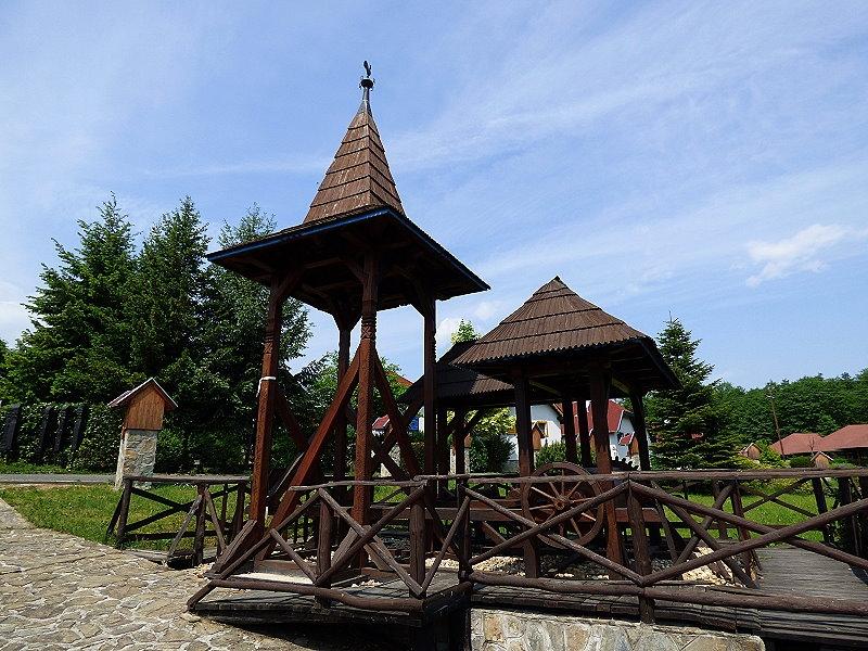 http://www.schoener-reisen.at/Bildergalerie/data/media/654/velem_millemiumpark_glockenturm_5.jpg